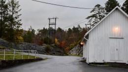 GANG- OG SYKKELVEI: Pådriverne for gang- og sykkelvei mellom Roligheden og Rægevig er redd parkeringsplaner ved Færvik kirke skal stikke kjepper i hjulene for en del av strekningen. Arkivfoto