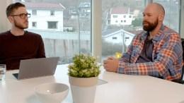 CANVAS-GRÜNDEREN: Nettprogrammet «Live med Oddvar» hadde nylig Canvas-gründer Jan Fasting som gjest. Foto: Skjermdump/Youtube