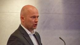 HEMMELIGHOLD: Partner Torjus Stalleland i DHT Corporate Services AS har ingen planer om å offentliggjøre listen med de over tretti aktørene som ble kontaktet i forbindelse med utvikling av campingen på Hoveodden. Arkivfoto