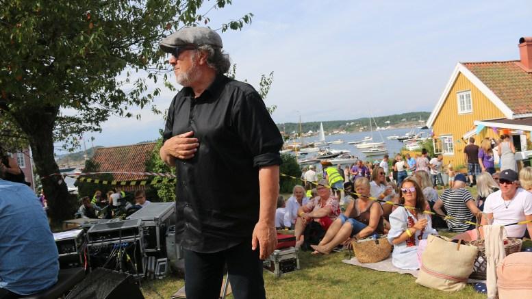HOVE MUSIC FESTIVAL: Presten som er mest kjent som musiker var på Merdø i 2017. I juni legger han turen til naboøya Tromøy og skal skape bredde i den nye musikkfestivalen. Arkivfoto: Esben Holm Eskelund