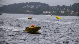 ARENDAL GRAND PRIX: Daniel Ager-Wick fra Tromøy fikk prøve seg i en helt ny båt i helgens båtrace i Tromøysund. Foto: Esben Holm Eskelund