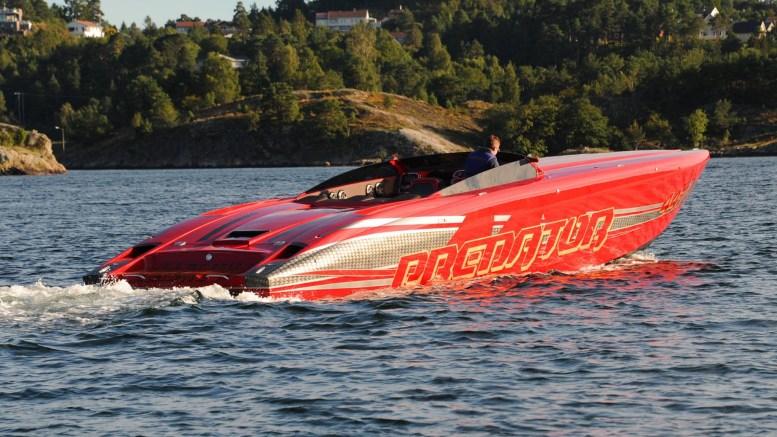POWER BOAT: I helgen skal Predator-båtene fartstestes i Tromøysund, og på Arendal Herregaard arrangeres en ganske så eksklusiv båtmesse. Foto: Predator Boats / Faceboook