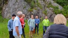 KRITISK: Arkitekt Nils Kaastrup (nr. fire f.v.) er kritisk til at fylkesmannen ikke deltar på befaringer i byggesaker. Foto: Esben Holm Eskelund