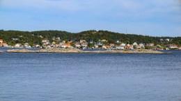 ST.HANSBÅL: Langrumpa mellom Merdø og Tromøy i Revesandsfjorden, er et av stedene det tradisjonelt fyres St.Hansbål. Arkivfoto