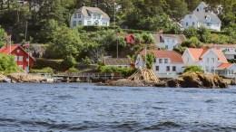 IKKE SØPPEL: St.Hansbålet på Ringskjær fikk beboere som førte til at Statens Naturoppsyn la ned forbud mot å tenne det. Foto: Esben Holm Eskelund