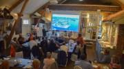 PÅDRIV FOR KRØGENES: Krøgenes-utvikling ble tema under Arendalsuka, hvor Pådriv-metoden for utvikling ble presentert av Thomas Berman fra Pådriv-foreningen på en workshop på Krøgeneslåven. Foto: Esben Holm Eskelund