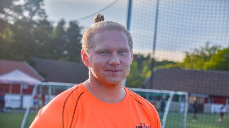 DRAR TIL AFRIKA: Christoffer Jacobsen (28) fra Tromøy er valgt ut til å delta på prosjekt i Zambia for Idrettens fredskorps i Norges idrettsforbund. Foto: Esben Holm Eskelund