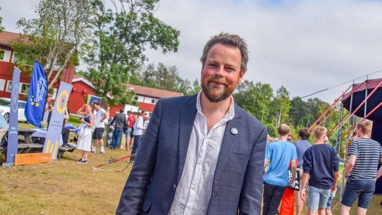 ESA AVGJØR: Næringsminister Torbjørn Røe Isaksen (H) var lørdag på Hove i forbindelse med Unge Høyres sommerleir. Foto: Esben Holm Eskelund
