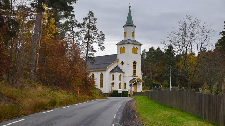 MILLIONGAVE: Sier Riksantikvaren ja kan Færvik kirke dra nytte av en anonym gave på flere millioner kroner. Foto: Esben Holm Eskelund