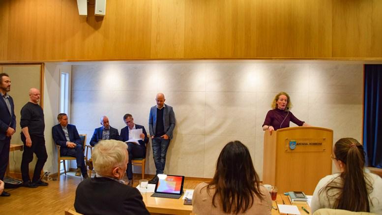 HABILITET: Kristina Stenlund Larsen (uavh.) stilte spørsmål ved habiliteten til den både ordfører, varaordfører, opposisjonsleder og tidligere komitéleder for kultur-, miljø- og næring i bystyret torsdag. Foto: Esben Holm Eskelund