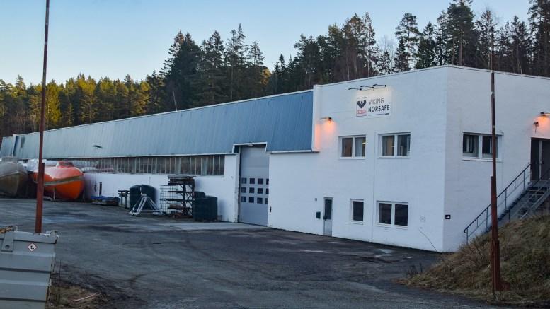 PERMITTERER: Viking Norsafe på Tromøy skal permittere ansatte. Arkivfoto
