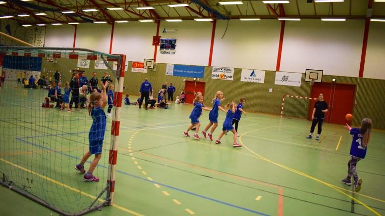 HÅNDBALLAVLYSNING: Tromøy IL avlyser håndballcup i Tromøyhallen. Arkivfoto