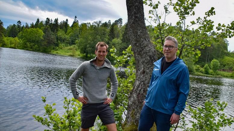 POPULÆRT TILBUD: Rådgiver Eirik Dobbedal (t.v.) og daglig leder Geir Henning Waagsnes i Friluftsrådet Sør arrangerer friluftsskole på Tromøy også denne sommeren. Arkivfoto