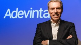 KJØPTE FRA HYTTA: Adevinta-direktør og tromøymann Rolv Erik Ryssdal gjorde milliardoppkjøp fra Tromøy. Foto: Killian Munch