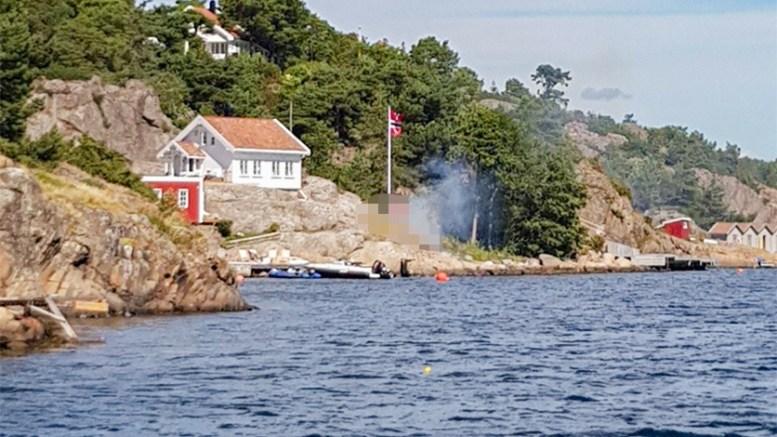 REAGERTE PÅ BÅL:Et bål kom torsdag ettermiddag ut av kontroll i Sildevig. Observante seilere fikk varslet folk på eiendommen om det løpske bålet. Foto: Tone Oland