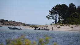 BADETEMPERATURER: Gjesøya er et yndet utfartssted for bading, og temperaturmålinger rundt Tromøy kan gi en pekepinn på hvordan det er å slenge seg på svøm. Arkivfoto