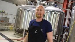 ØLFINALIST: Erlend Årsbog og hans tromøybryggeri Drum Brew er en av tre finalister i kåringen av årets øl i regi av Det norske måltid. Arkivfoto