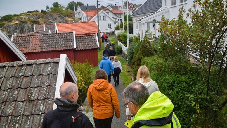 MERDØ-REGULERING: Kommuneplanutvalget i Arendal var sist uke på befaring på Merdø, og sender nå forslaget til områdeplan for uthavna ut på offentlig høring. Foto: Esben Holm Eskelund