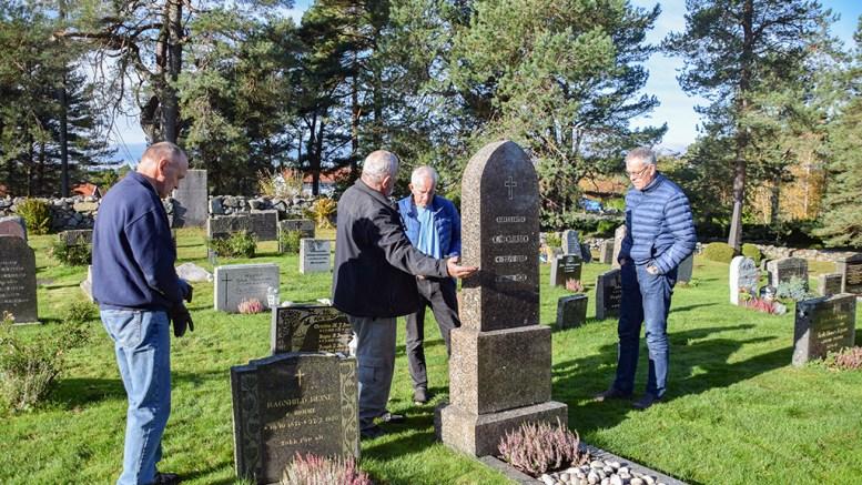 GRAVOPPUSSING: Gravstedet til denne mannen er bekostet satt i stand av Tromøy helselag. Foto: Esben Holm Eskelund