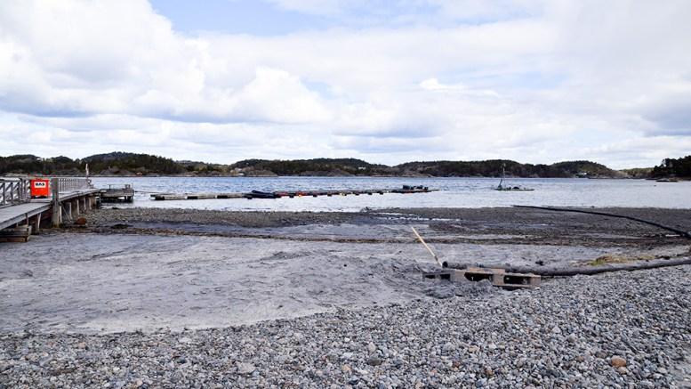 SANDPÅFYLLING: Nasjonalparkforvalteren åpner for at vilkårene for sandpåfylling på Hove-stranda kunne ha blitt utformet annerledes om metoden var kjent da den opprinnelige tillatelsen ble gitt i fjor. Arkivfoto