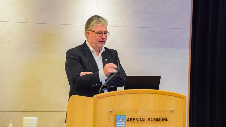SELVMORDSFOREBYGGING: Høyres gruppeleder Geir Fredrik Sissener presenterte ønsket om selvmordsforebyggende tiltak i partiets endringsforslag til budsjett og handlingsplan. Foto: Esben Holm Eskelund