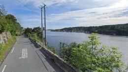 KLOAKKRAV: Boligeieren på Revesandsveien fikk ikke medhold av kommuneplanutvalget om å slippe tilkobling til det offentlige avløpsnettet. Foto: Google Maps