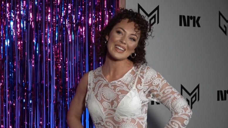 MGP-ARTIST: Raylee ble mandag morgen presentert som deltaker og delfinalist i årets Melodi Grand Prix. Foto: NRK Nett-TV