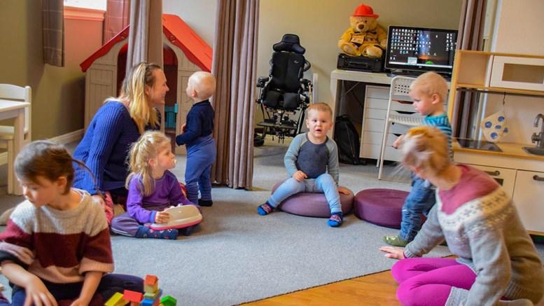 BARNEHAGE I TOPPSJIKTET: Den lille familiebarnehagen på Tromøy ligger helt i tet med fornøyde foreldre og barn som trives. Foto: Esben Holm Eskelund
