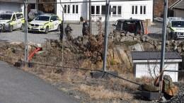 FLERE PÅGRIPELSER: Både torsdag og fredag er det gjort pågripelser etter sprengstoffaksjonene ved Kongshavn på Tromøy og i Grimstad denne uka. Foto: Esben Holm Eskelund