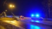 STENGTE BROA: For andre dag på rad ble Tromøybroa stengt for trafikk, mens nødetatene gjorde søk. Foto: Esben Holm Eskelund
