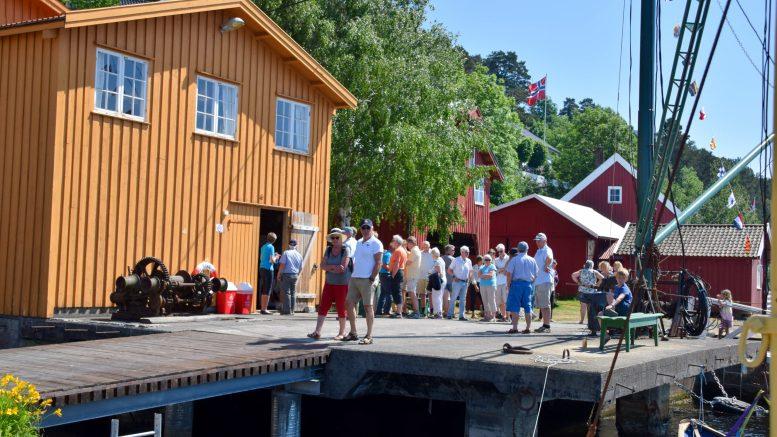 BRATTEKLEV SKIPSVERFT: Etablert i seilskutetiden, var med inn i dampalderen og er en viktig del av den maritime kulturarven i Arendal. Nå starter besøkssesongen for fullt. Arkivfoto