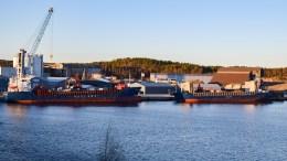 RYKKER NÆRMERE:Kaiene på Eydehavn kan rykke flere titall meter lenger ut i Tromøysund, for å legge til rette for rulleramper for godshåndtering. Arkivfoto