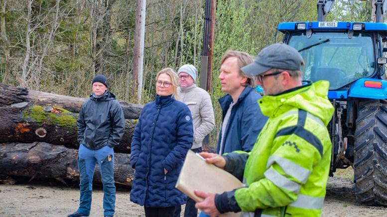 KLAGER IGJEN: Tiltakshaverne Frode Madsen og Benedicte Boye påklager vedtaket om å finne ny plassering til driftsbygningen de vil sette opp på landbrukseiendommen på Bjelland. Arkivfoto