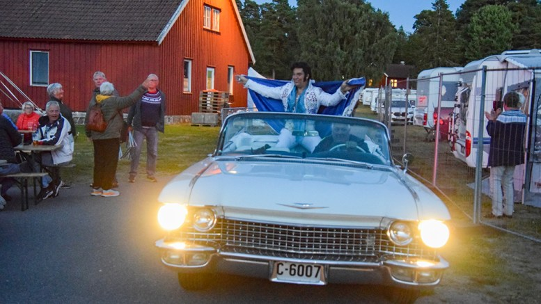 SKJÆRGÅRDSTREFFEN: Kjell Elvis ankom Skjærgårdstreffen standsmessig i forrige uke. Foto: Esben Holm Eskelund