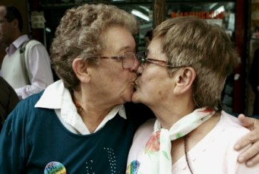 Argentina realiza 1° casamento entre mulheres