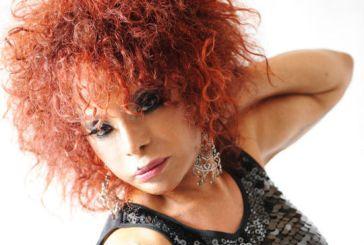 'Se não fosse cantora, eu seria prostituta', diz Elza Soares
