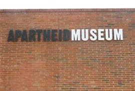 Fátima Bernardes mostra o Museu do Apartheid na África do Sul