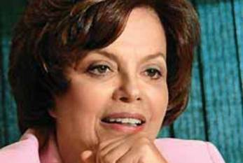 Na TV, Dilma diz que irá à África do Sul caso o Brasil dispute a final