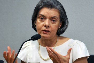 Cármen Lúcia será primeira mulher a comandar eleições brasileiras