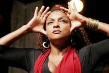 A construção da identidade da Mulher Negra na poesia de Elisa Lucinda