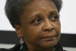 Ministra Luiza Bairros participa de encontro que discute violência contra jovens negros