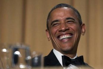 Obama zomba de si mesmo e de rivais no jantar de correspondentes