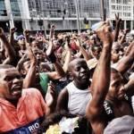 Em pleno carnaval, Garis paralisam Rio de Janeiro – por Douglas Belchior