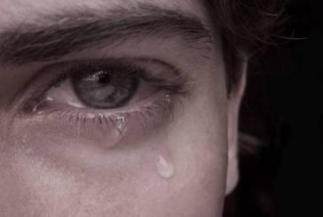 Garoto vítima de homofobia se suicida em Vitória; pais culpam escola do filho