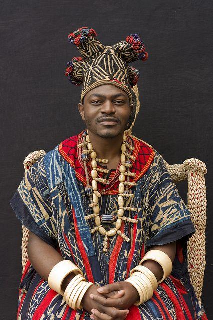 Fo Sikam Happi V. de Bana, Província Ocidental dos Camarões. Palácio do Rei (Chefferie de Bana), Bana, Província Ocidental dos Camarões, Estado Bamileke