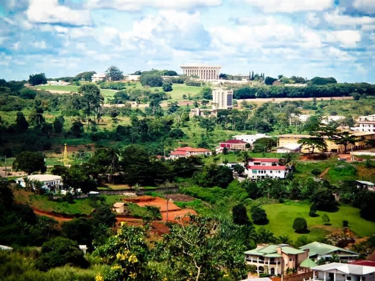 Camarões é diversificada e multi-étnica