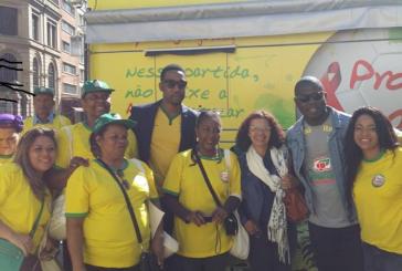 Promotoras Legais Populares do Geledés recebem netos de  Nelson Mandela em atividade de prevenção a AIDS