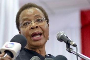 Graça Machel anuncia fim do luto por Mandela