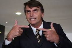"""Jair Bolsonaro choca o jornal francês Le Monde: """"Racista"""". Por Pierre Pichoff"""