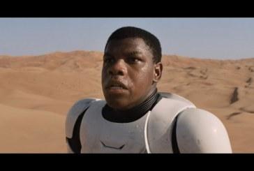 John Boyega responde a críticas por stormtrooper negro em 'Star Wars': 'Acostumem-se com isso'